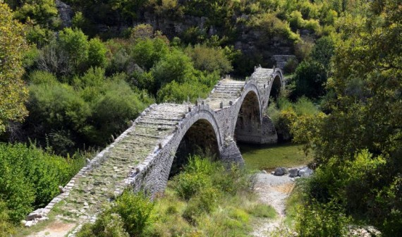 vikos-gorge-in-zagori