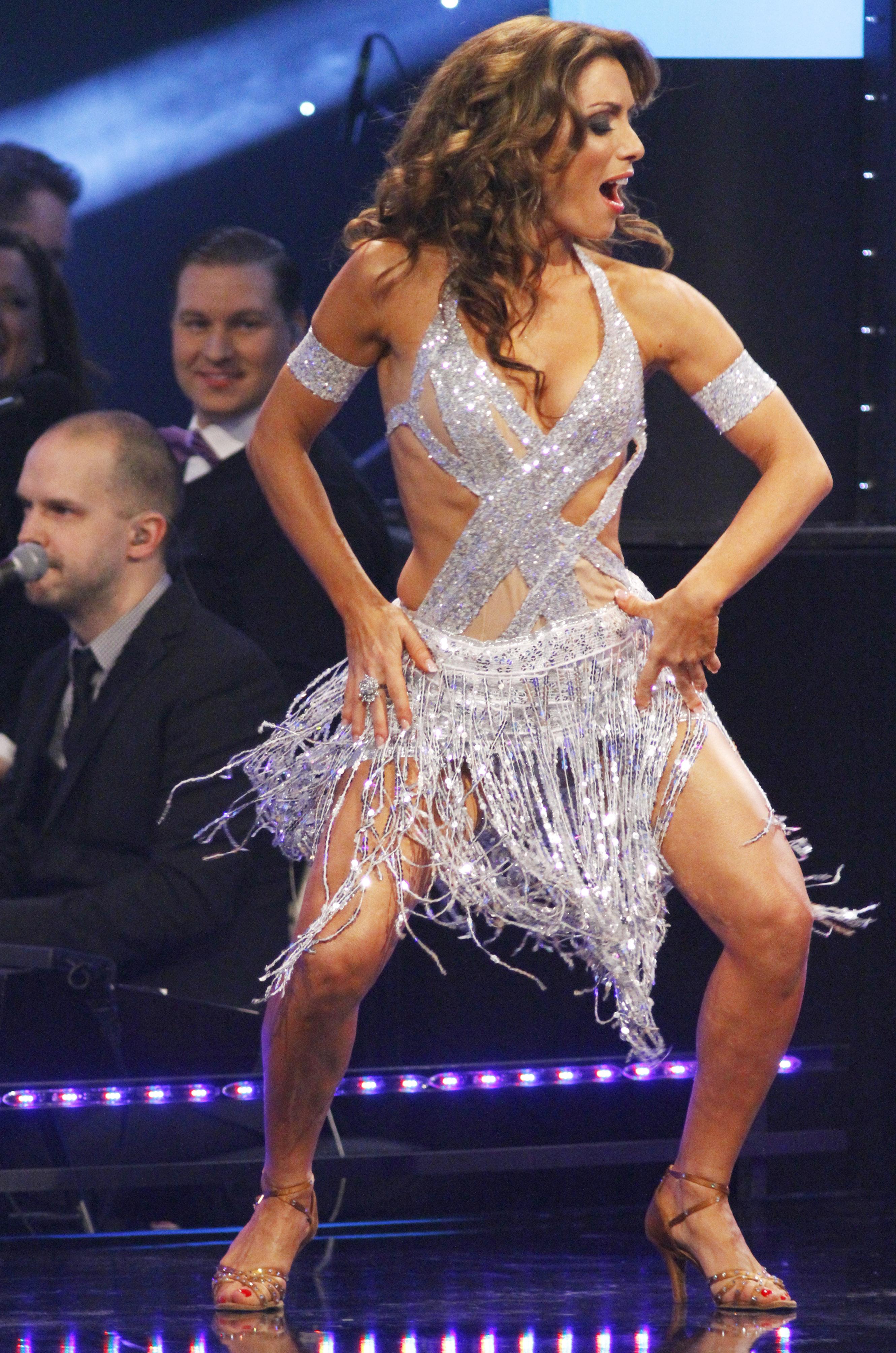 pascalidiou dancing
