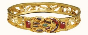 A magnificent ruby-studded Hellenistic bracelet with Heracles Knot