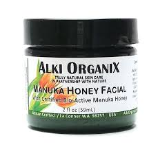 honey acts as natural moisturizer